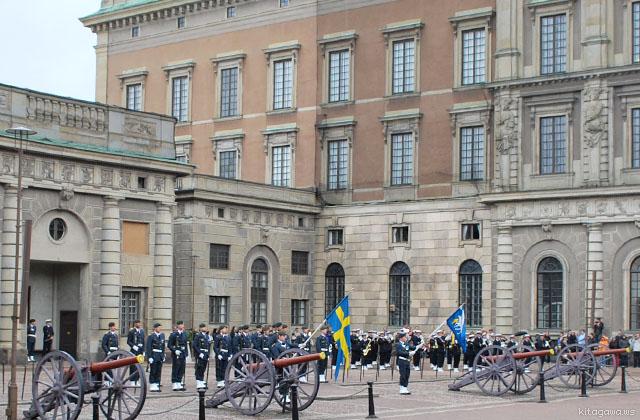 ストックホルム衛兵交代式 スウェーデン王宮
