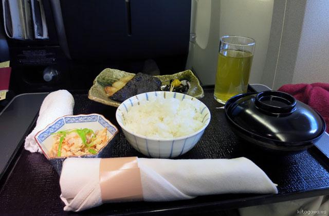 JALビジネスクラス和朝食