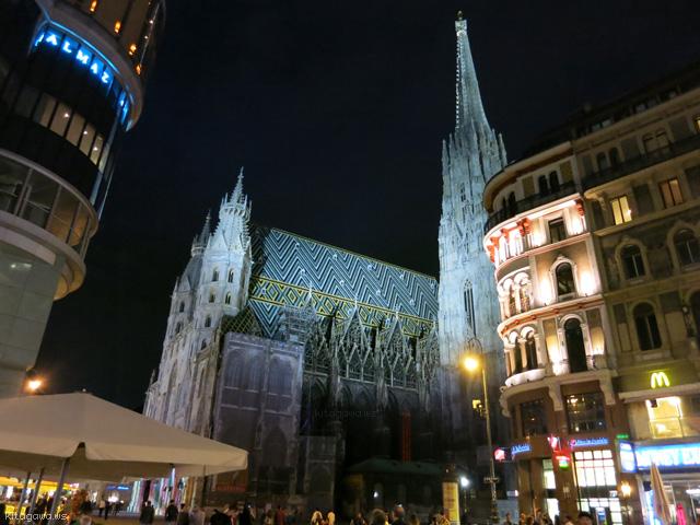 シュテファン大聖堂ライトアップ