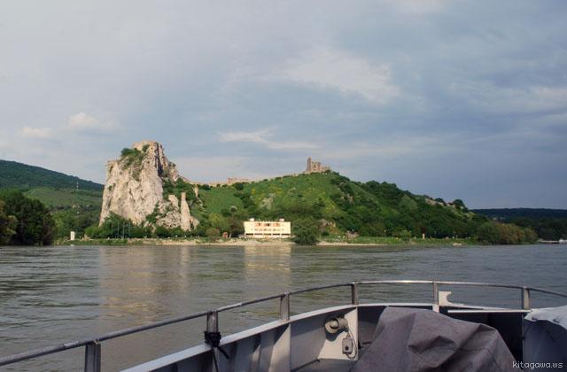 オーストリアからスロヴァキアへの船