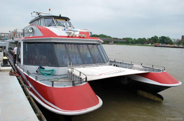 ウィーンからブラチスラヴァへのドナウ川クルーズ船 TWIN CITY LINER