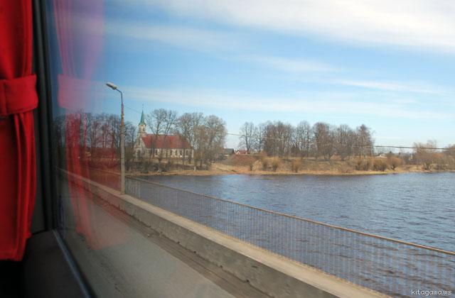 エストニアからラトビア バス 行き方