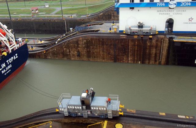 パナマ運河 電気機関車