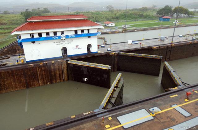 ミラフローレス閘門