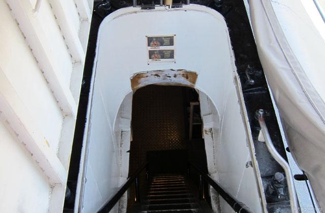 潜水艦見学