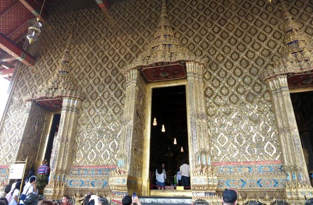 エメラルド寺院本堂