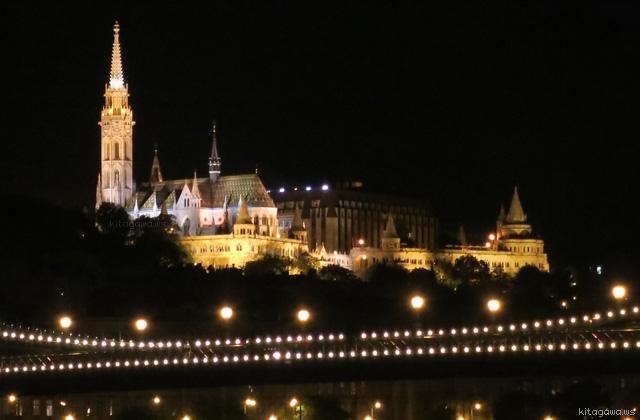 マーチャーシュ教会 ライトアップ