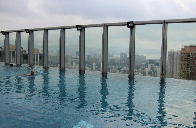 W香港プール
