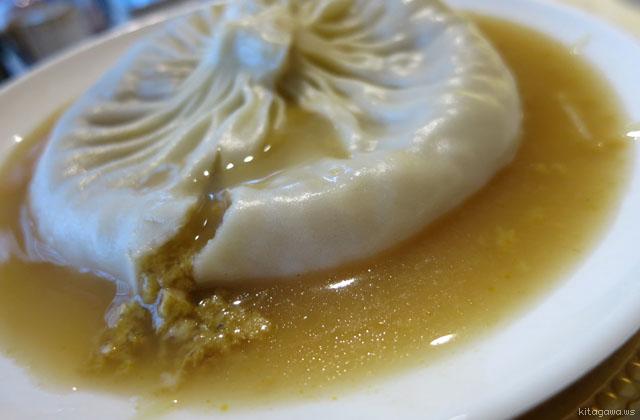 蟹黄大湯包