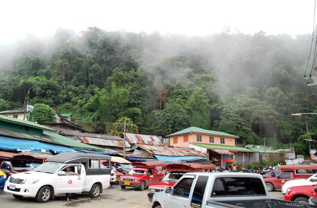 ドイ・プイ メオ族の村