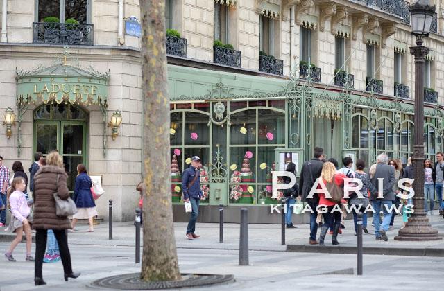 ラデュレ シャンゼリゼ店 Ladurée Champs Elysées