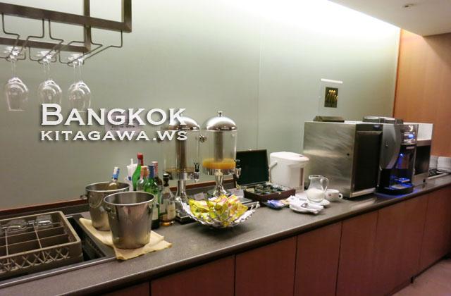 JAL日本航空 バンコク スワンナプーム国際空港 サクララウンジ
