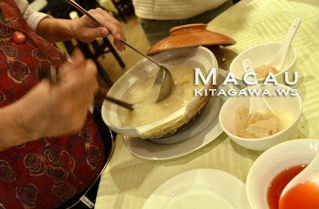 濃湯雞煲翅 フカヒレスープ