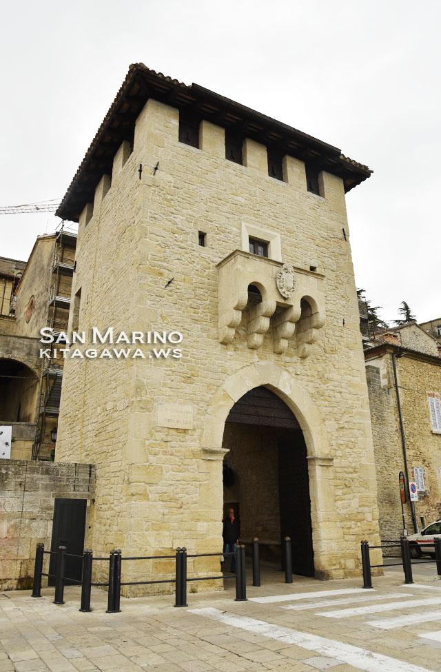 聖フランチェスコ門 Porta San Francesco