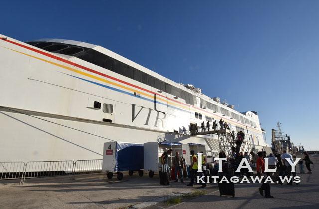 シチリアからマルタ 船 フェリー