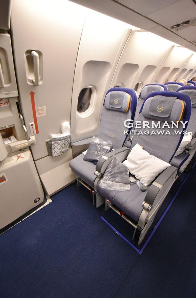 ルフトハンザ A340 エコノミークラス