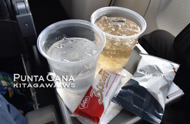 アメリカン航空エコノミークラス機内食