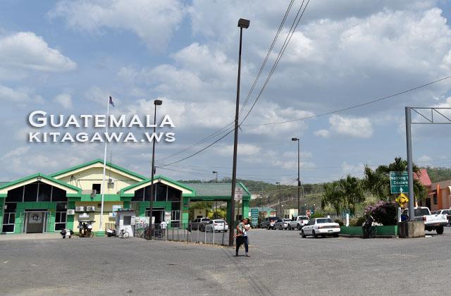 グアテマラからベリーズ 国境越え