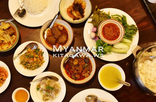 Feel Myanmar Food ビルマ料理レストラン ヤンゴン