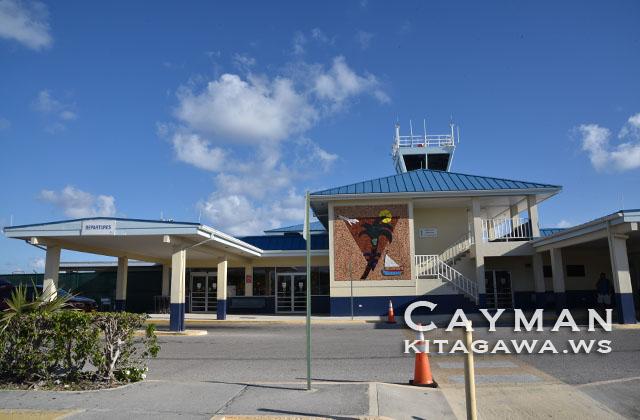 ケイマンブラック CYB チャールズカークコーネル国際空港