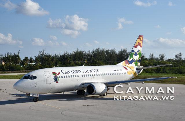 Cayman Airways Boeing 737