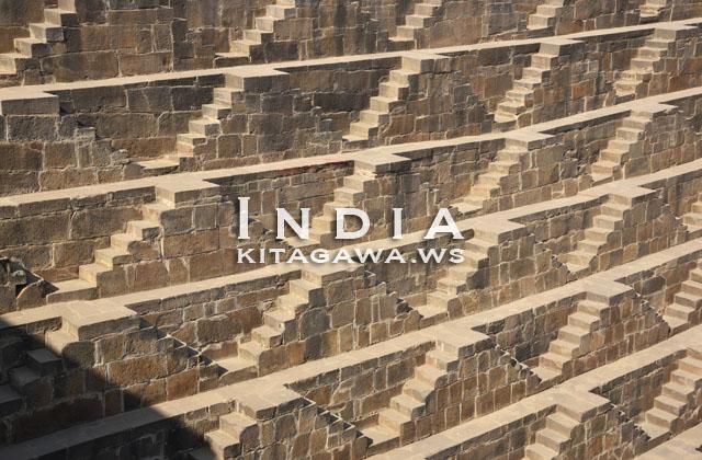 インド 階段寺院