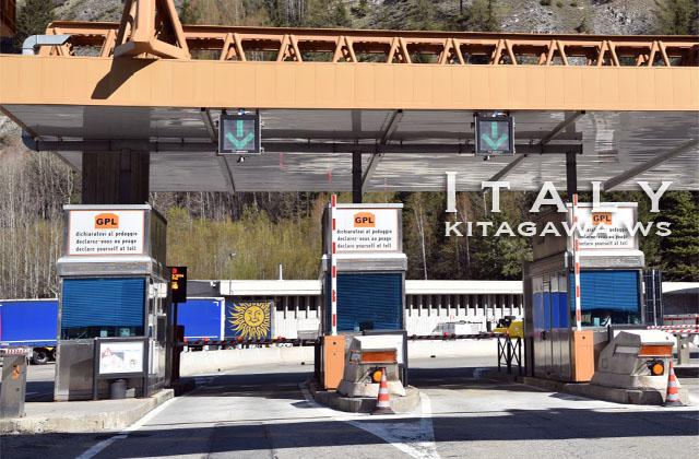 モンブラントンネル イタリア