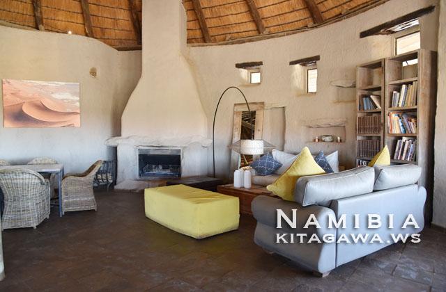 ナミブ砂漠 高級ホテル