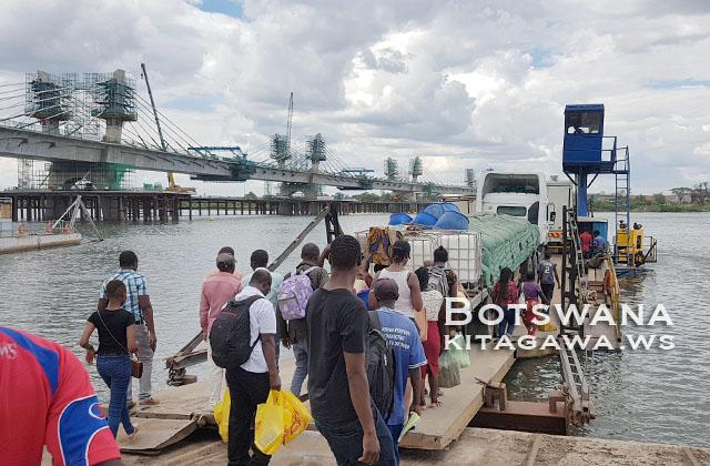 ボツワナのカサネからカズングラ国境越えザンビアのリビングストンとビクトリアフォールズへ